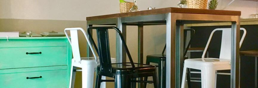 Mobiliario vintage en Habla de tu libro Restobar - blog